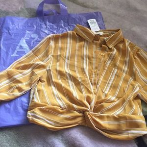 medium striped knot shit that's never been worn